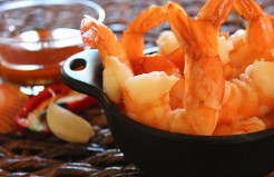 Garlic Shrimp with Piri-Piri Sauce